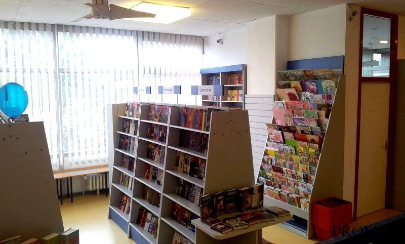 Торговое оборудование (мебель) для магазина женской, детской.